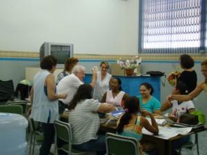 Vereador João Barbosa conversa com professores da escola Dalva Lelis
