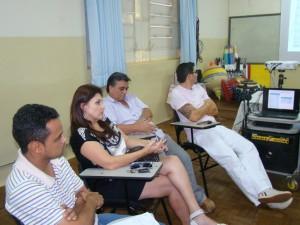 Vereadores durante a reunião sobre transporte universitário