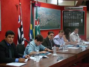 Vereadores durante sessão ordinária