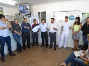 Os vereadores acompanham a reinauguração da Unidade de Saúde da Família no bairro Tonico Garcia