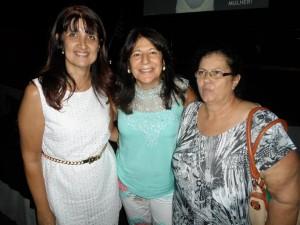 As vereadoras Susete Barini e Cida Armani ao lado da Deputada Beth Sahão